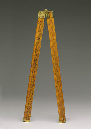 Boxwood Coggeshall folding slide rule, 1720-1730.