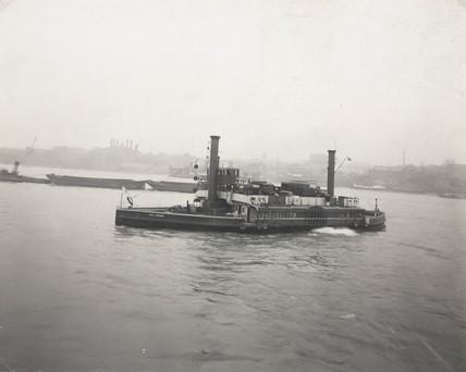 Woolwich Ferry, London, 1906-1907.