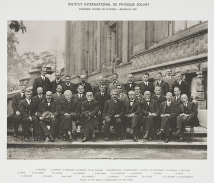Fifth Solvay Physics Conference, Brusels, 1927.