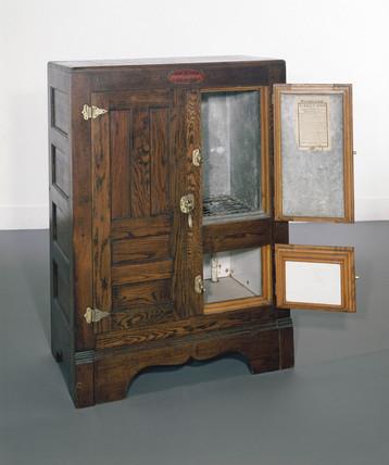 Seeger dry-air siphon refrigerator c 1900.