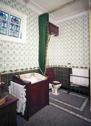 Edwardian bathroom reconstruction, 1901-1911.