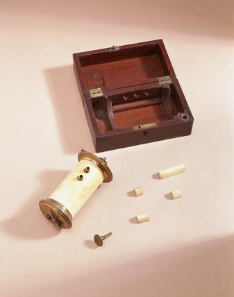 Microtome, 1770.