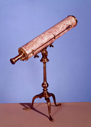 Gregorian reflecting telescope, 1734-50.