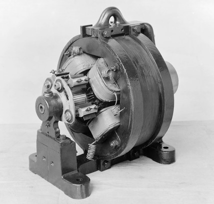 First (single or polyphase) AC Commutator, 1887.