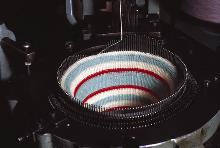 Automatic circular knitting machine, 1923.