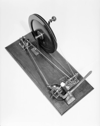 Machine for winding cotton into balls, 1802.