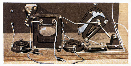 'How to build a two valve set', No 18, Godfrey Philips cigarette card, 1925.