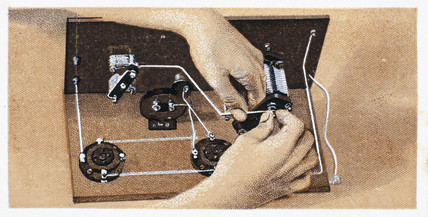 'How to build a two valve set', No 15, Godfrey Philips cigarette card, 1925.