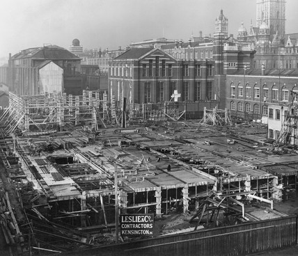 Construction of the East Block, Science Museum, London, 5 November 1914.