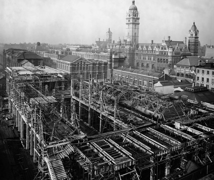 Construction of the East Block, Science Museum, London, 10 November 1915.
