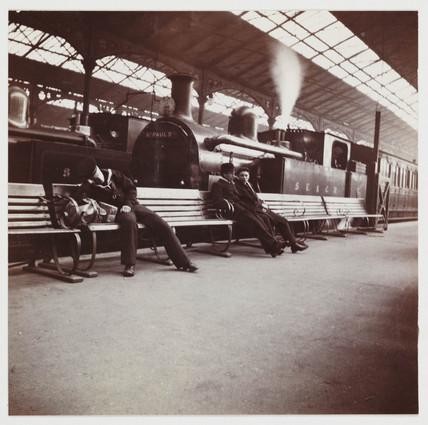 Holborn Viaduct Station, London, c 1910.