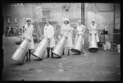 'Dairymaids', 1932.