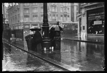 London flower sellers, 1932.