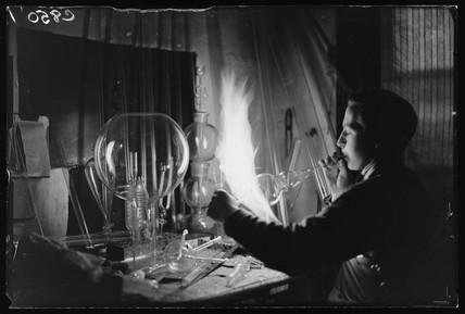 Glas blower, 1933.