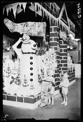Giant snowman, 30 August, 1933.