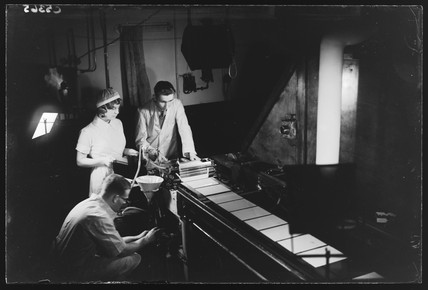 Making photographic plates, 20 November 1933.