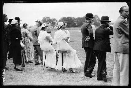 Women with shooting sticks, Richmond Horse Show, 1934.