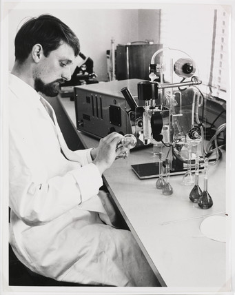 Drug testing at Pfizer Inc, Sandwich, Kent, 1962.