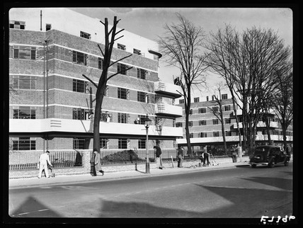 New flats at Clapham, London, 1936.