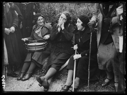 Female hunger marchers resting, 1936.