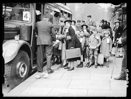 School children being evacuated from London, 28 September 1938.