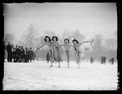 Ice skating on the Serpentine, 1940.