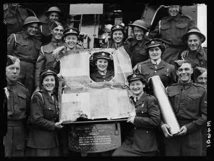 Members of an anti-aircraft battery, 1943