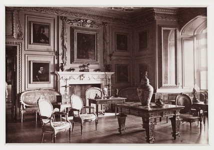 'Warwick Castle, The Gilt Drawing Room', c 1880.
