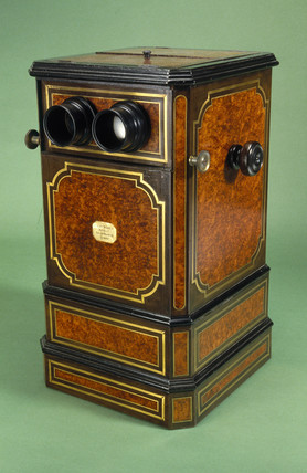 Stereoscope viewer by Leon Bloch, late 19th century.