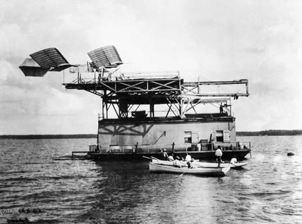 The Langley 'aerodrome' .