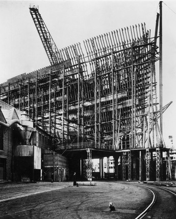 Building the TS 'Queen Mary', bow view, 1934.