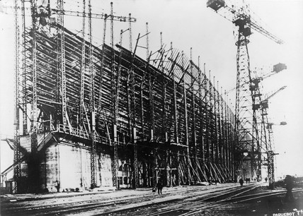 TS 'Isle de France' under construction, 1926.