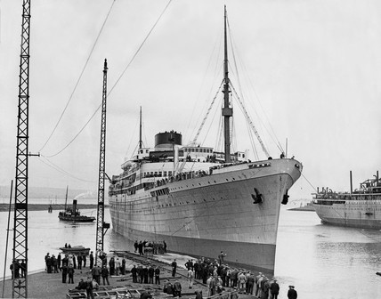 'Athlone Castle' liner being dry-docked at Belfast, 28 April 1936.