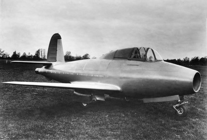Gloster-Whittle E28/39 aircraft, 23 October 1945.