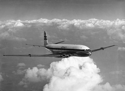Comet 1 prototype in BOAC livery in flight, 4 September 1950.
