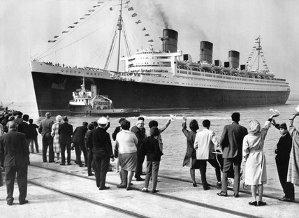TS 'Queen Mary' leaving Southampton, 16 September 1967.