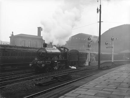 Blue Funnel Special, Paddington Station, London, c 1910.