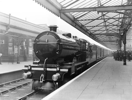 Royal train at Rochdale station, 1913.