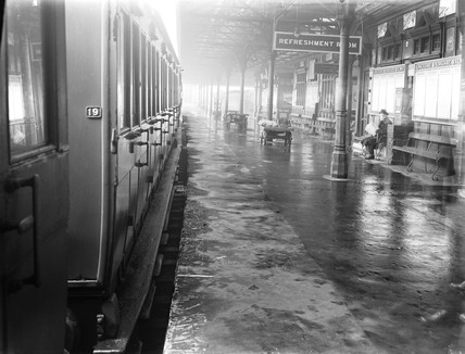 Passenger carriage, Wigan Station, Lancashire, November 1923.