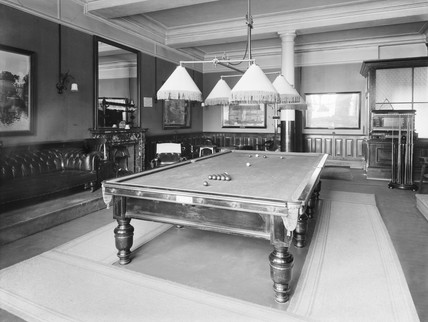 Smoking and billiards room at the Holyhead Hotel, Anglesey, c 1924.