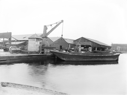 Midland Wharf at Victoria Dock, London, 1898.