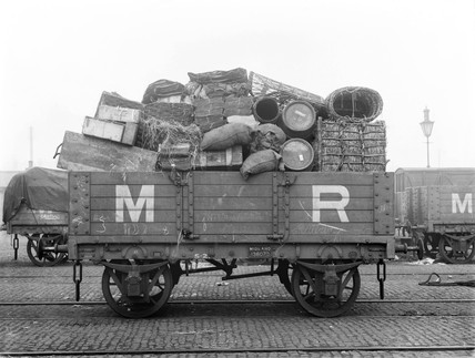 Midland Railway wagon loaded up with goods, 9 February 1903.