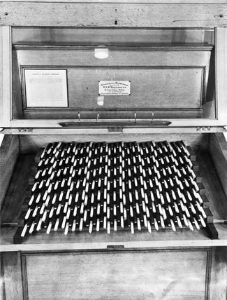 Keyboard of Bosanquet's enharmonic harmonium, c 1876.