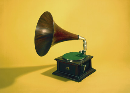 Intermediate Monarch Gramophone, 1908.
