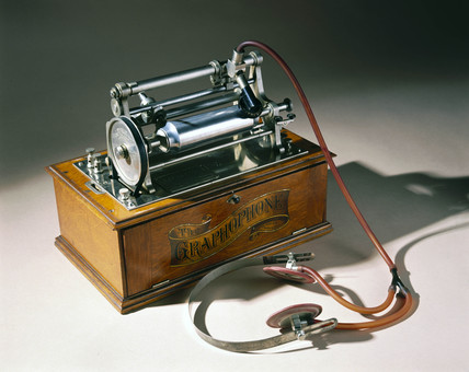 Type K Graphophone, c 1895.