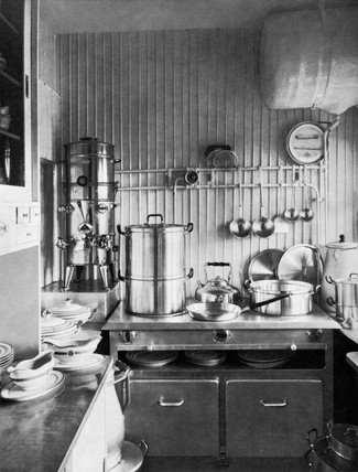 The in-flight kitchen of the Zeppelin airship LZ 126, 1924.
