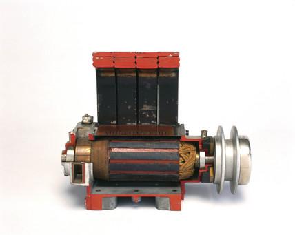 MIRA magneto-generator, 1910.