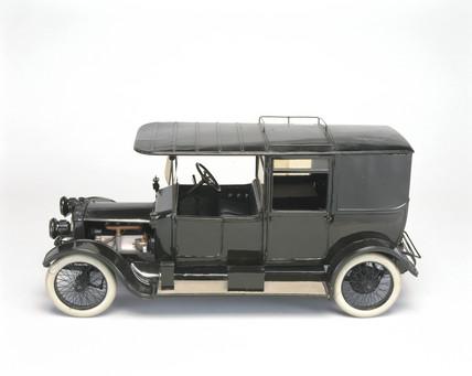 20 hp Daimler staff car, 1914.