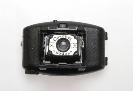 Coronet 'Vogue' camera, 1936.