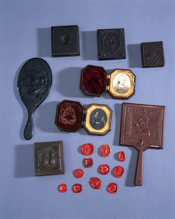 Objects made from shellac, late 19th century.